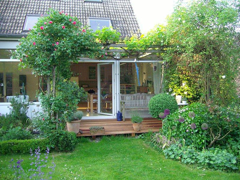 Projekte privatgarten m nster kunst und staudengarten for Gartengestaltung quadratischer garten